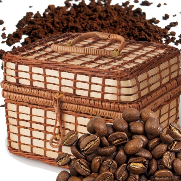 Молотый кофе с черным цейлонским чаем и медом в плетеной корзине, 450 г Обжарен и упакован в Колумбии.